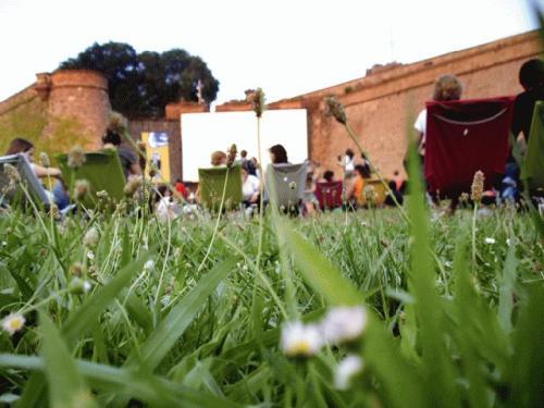 open-air-cinema-montjuic-1